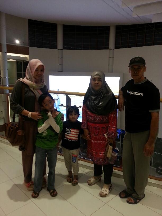 Bersama-Keluarga