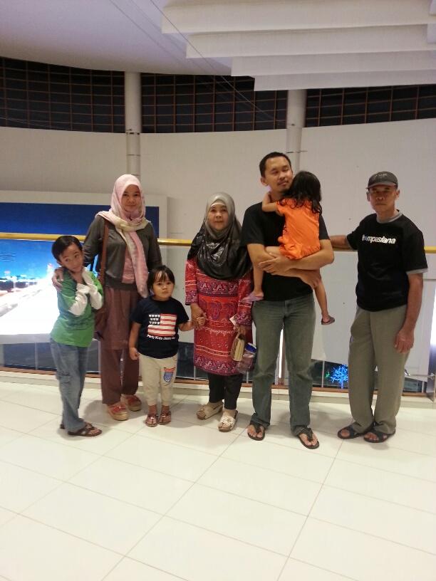Bersama-Keluarga1